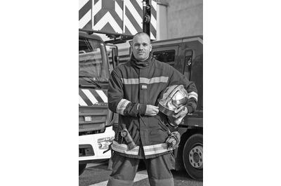 <b>Stéphane Faivre</b><br />Rédacteur dans<br />Véhicules d'incendie magazine<br />Photographe