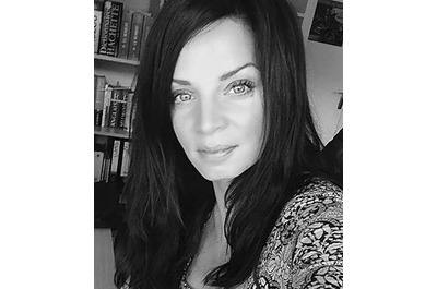 <b>July Zaglia</b><br />Directrice éditoriale