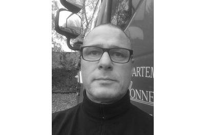 <b>Manuel Halbout</b><br />Photographe et rédacteur dans<br />SOLDATS DU FEU magazine